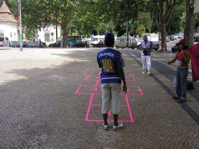 Fora de Campo - à macaca jogamos nós, Coimbra 2004