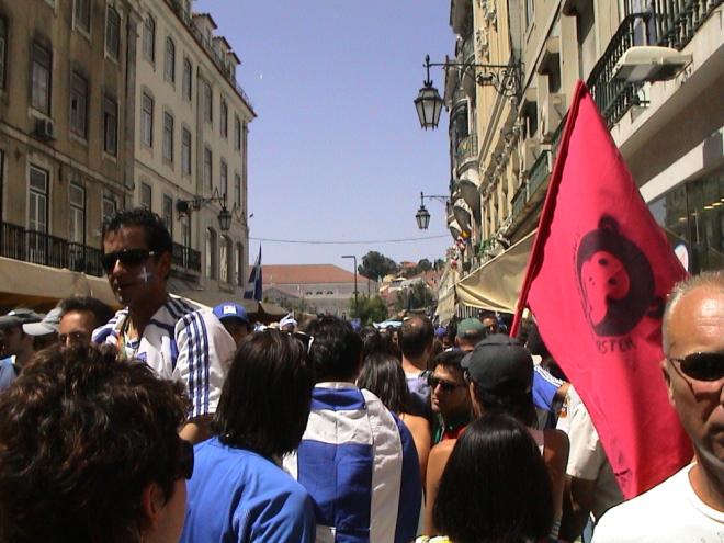 Fora de Campo - à macaca jogamos nós, Lisboa 2004