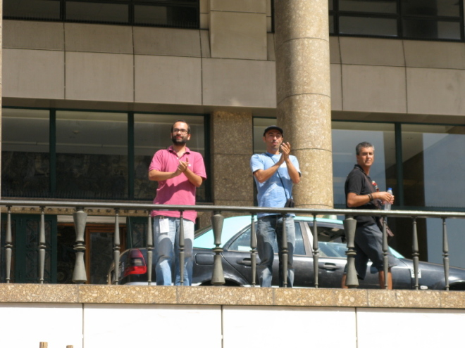 convocatórias - Praça D. João I, Aplauso na Praça