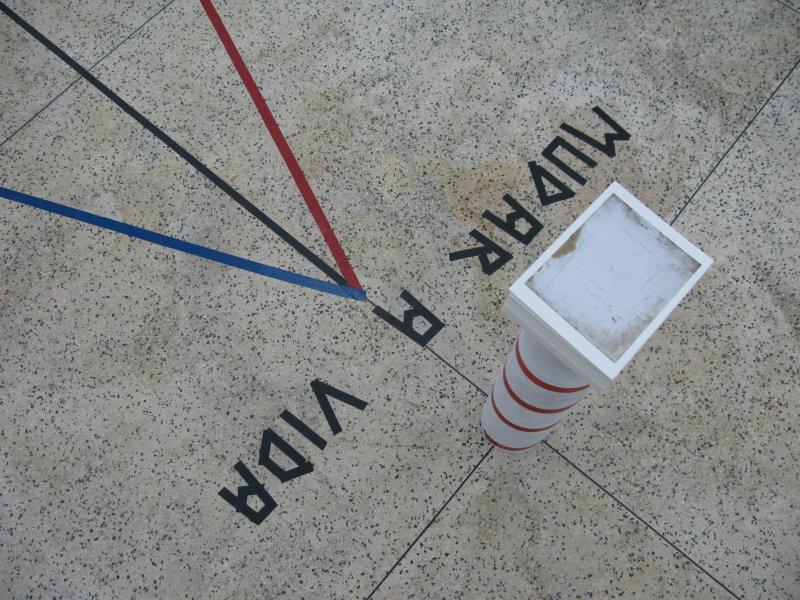 mudar de vida - Lighthouse sculpture and postcards - Galeria Plumba, Porto