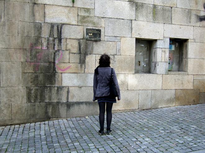Lápide, Rua das Carmelitas, 2008