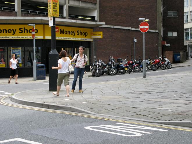 23/07/08 on snooping - Nelson Street, photo by: Fatma ÇiftÇi